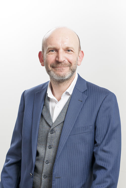 Giles Dearden profile