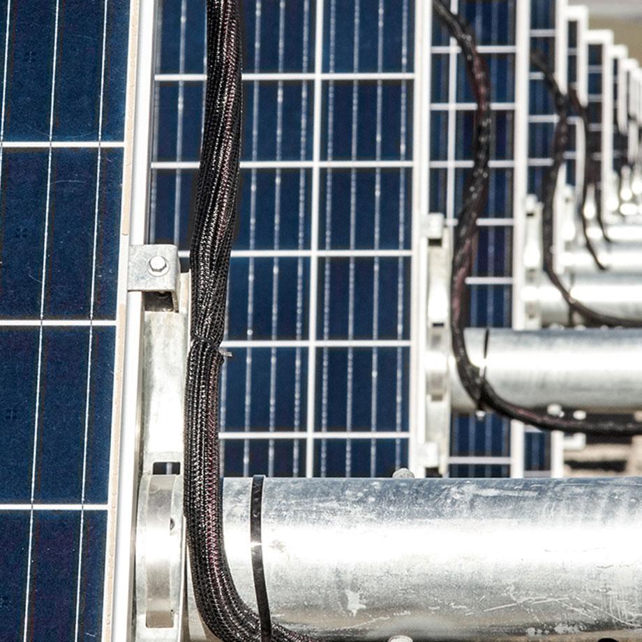Solar Aventron FeatThumb